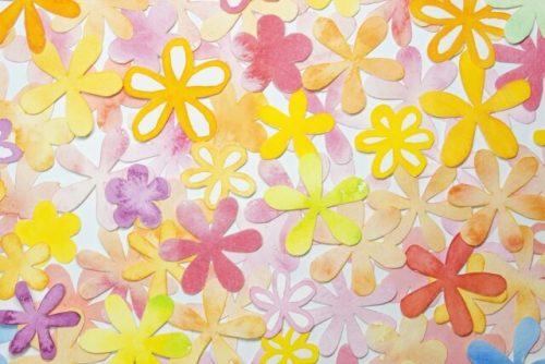 色とりどりの花の切り絵