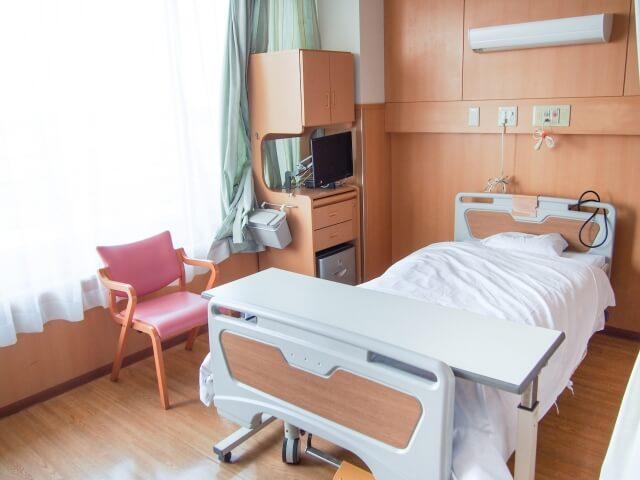 長い入院生活の末、亡くなった方の後のガランとした病室