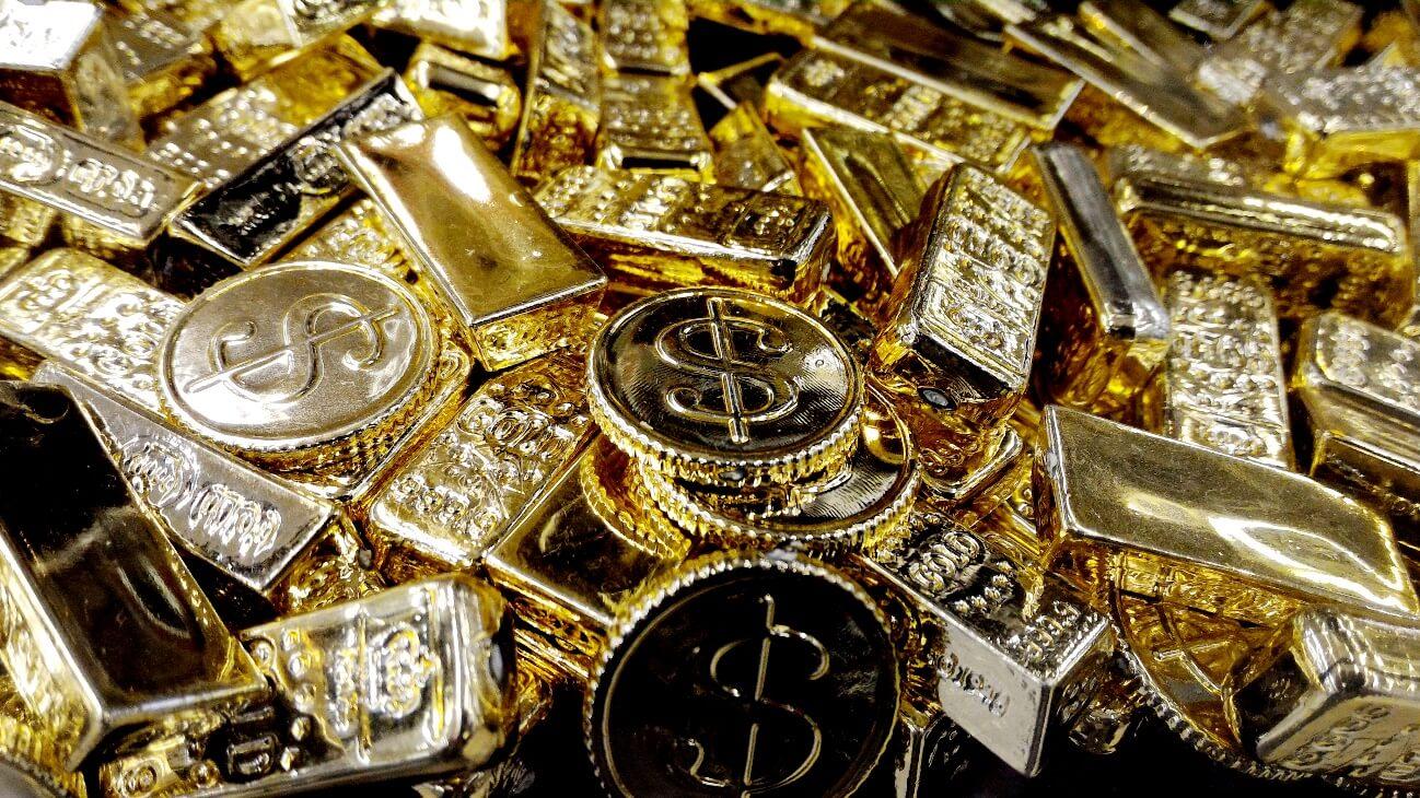 遺留品の中から見つかった大量の金