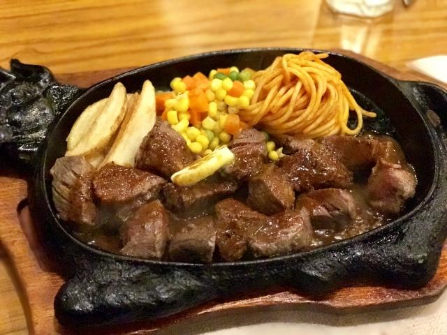 成型肉のサイコロステーキ